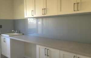 Fine silvered coloured metallic glass splashbacks