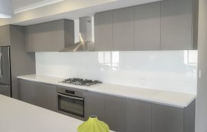 White kitchen splashbacks