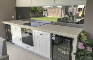 Mirrored kitchen glass splashbacks