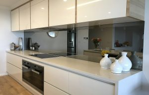 Kitchen mirrored glass splashbacks