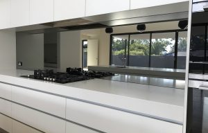 Tough Mirrored glass splashbacks