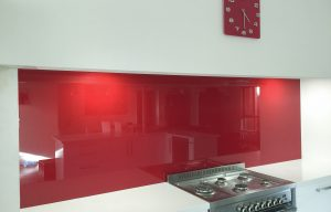 splashbacks in red